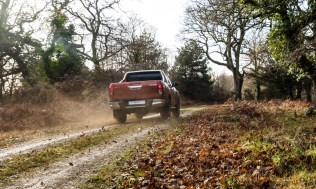 Toyota-Hilux-2018-special-edition- (15)