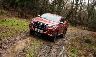Toyota-Hilux-2018-special-edition- (18)