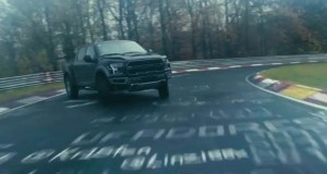 Vaughn-Gittin-Jr-Ford-Raptor--driftovani-na-nurburgringu-video