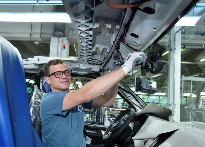 100-tisic-kusu-Volkswagen-California-Made-in-Hannover- (1)