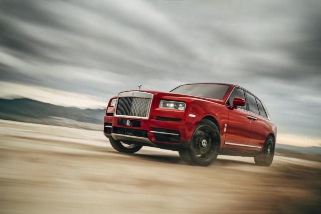 2018-Rolls-Royce-Cullinan- (2)
