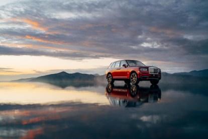 2018-Rolls-Royce-Cullinan- (7)