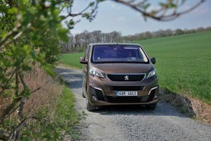Test-Peugeot-Traveller-20-BlueHDi-150-4x4-Dangel- (1)