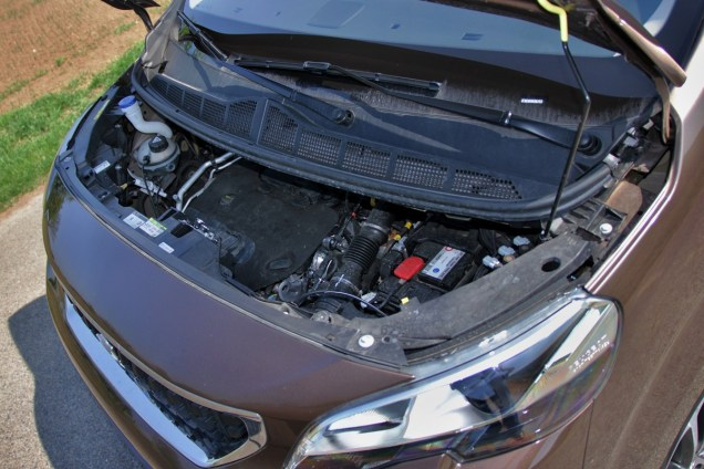 Test-Peugeot-Traveller-20-BlueHDi-150-4x4-Dangel- (44)