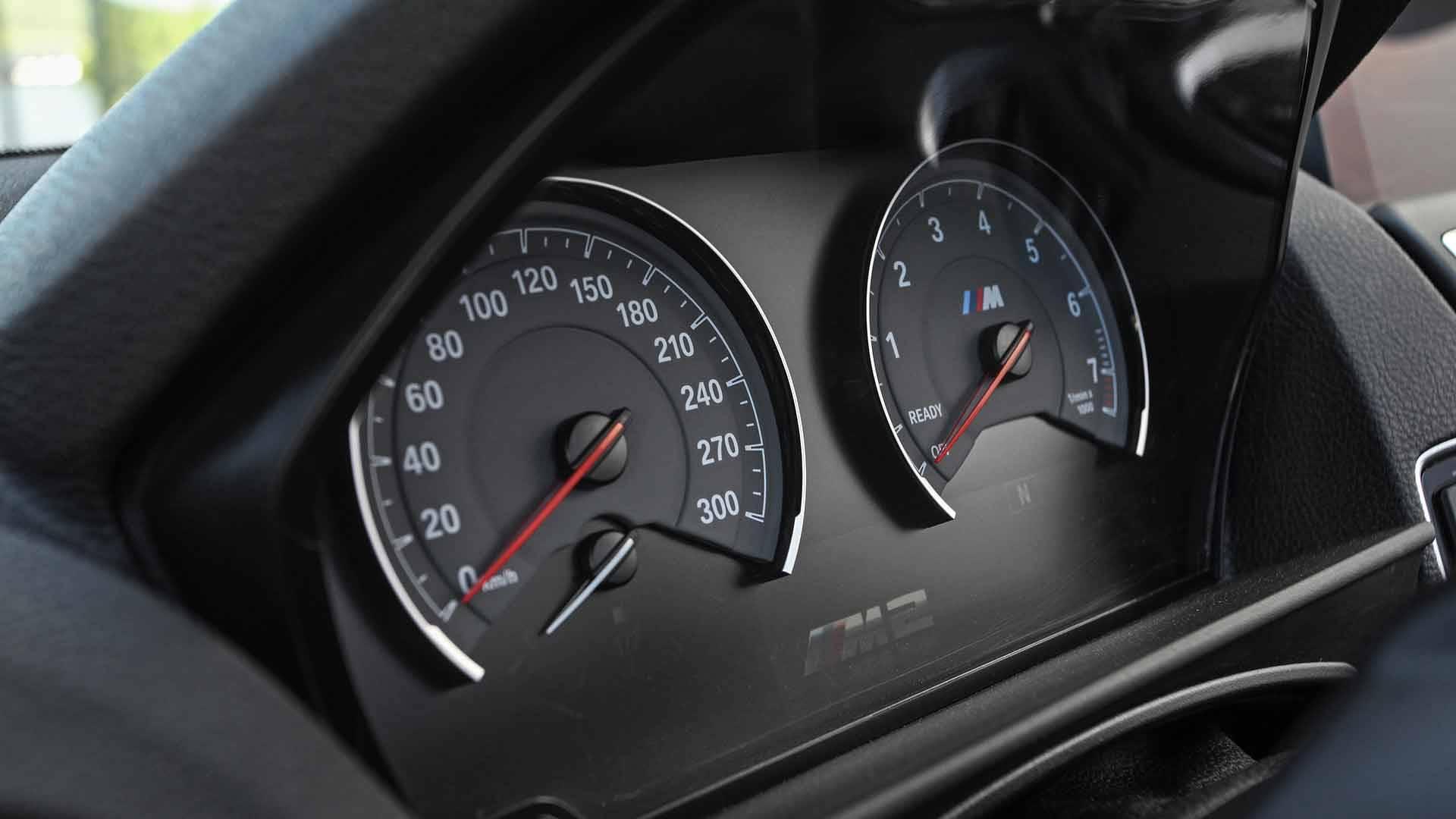 bmw-m2-cabrio-lightweight-performance- (20)