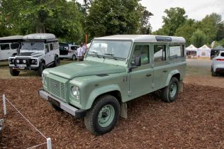 10-legendy-2018-jaguar-land-rover- (5)
