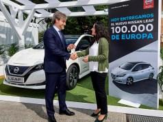 100000-elektromobilu-nissan-leaf