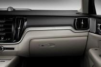 2019-Volvo-S60- (22)