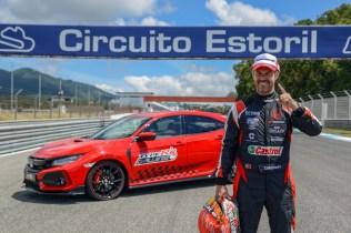 135771_Honda_Civic_Type_R_sets_new_lap_record_at_Estoril_circuit_in_Portugal