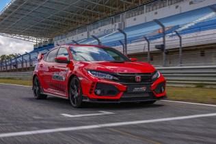 135772_Honda_Civic_Type_R_sets_new_lap_record_at_Estoril_circuit_in_Portugal