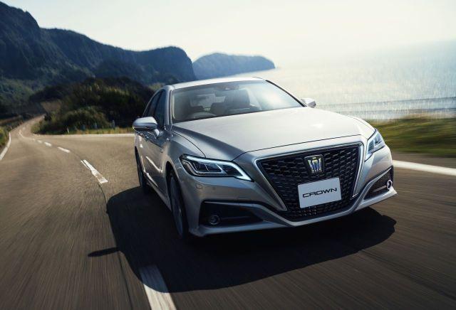 2018-Toyota-Crown