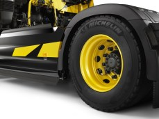 Renault-T-High-Renault-Sport-Racing-limitovana-edice-f1- (13)