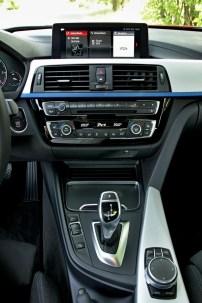 test-bmw-330d-sedan-at- (36)