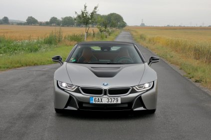 test-bmw-i8-roadster-01