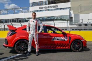 Jenson-Button-typer-r-challenge-2018-hungaroring- (5)