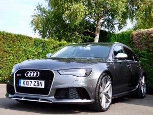 Na prodej je Audi RS6 prince Harryho. Má velmi jedinečnou specifikaci