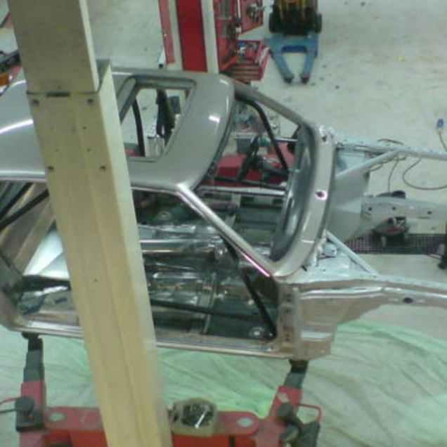 ford-granada-motor-z-koenigseggu-ccx-01