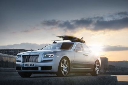 rolls-royce-ghost-surf-na-strese-1