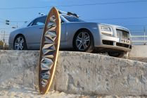 rolls-royce-ghost-surf-na-strese-3