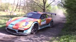 Myslíte si, že Porsche 911 GT3 RS je ideální jen na hladký asfalt? Pletete se