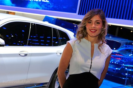autosalon-pariz-2018-hostesky- (23)