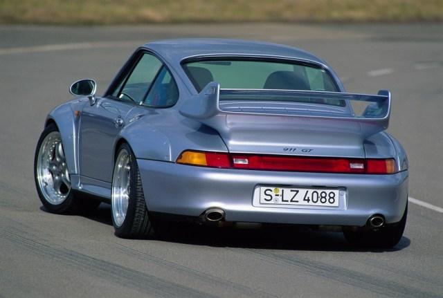 Porsche-911-GT2-993