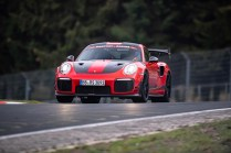 Porsche-911-GT2-RS-MR-rekord-nurburgring- (3)