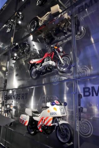 bmw-muzeum-2018-noc-bilych-rukavicek- (16)