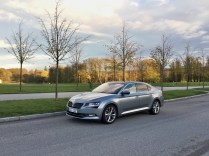 test-2018-skoda-superb-20-tdi-140-kw-laurin-a-klement-02