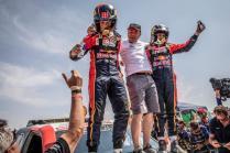 rallye-dakar-2019-po-10-etape-na-konci-dakaru-toyota-gazzoo-racing-Nasser-Al-Attiyah- (6)