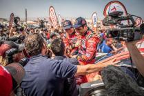 rallye-dakar-2019-po-10-etape-na-konci-dakaru-toyota-gazzoo-racing-Nasser-Al-Attiyah- (7)