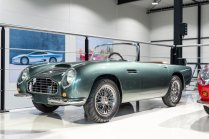 slapaci-auticko-Aston-Martin-Drophead-Coupe-a-Ferrari-250-GT-California-Spyder-na-prodej- (16)