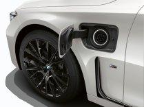 2019-bmw-745le-plug-in-hybrid- (10)