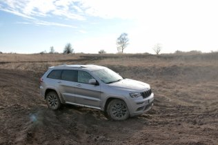 test-2019-jeep-grand-cherokee-30-crd-8at-4x4- (51)