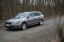 test-ojetiny-2014-skoda-superb-combi-20-tdi-103-kw-4x4-6MT- (4)