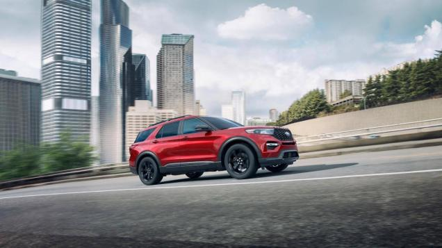 2019-Ford-Explorer-09