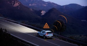 251539_Hazard_Light_Alert_demonstration_on_XC40