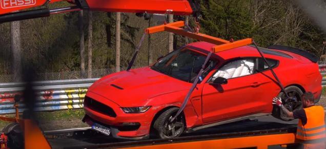 ford-mustang-shelby-gt350-nehoda-na-nurburgringu- (8)