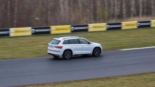 test-2019-skoda-kodiaq-rs-autodrom-most-foto-petr-kantner