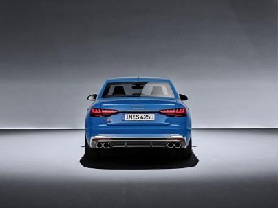 2019-Audi-S4-limuzina- (3)