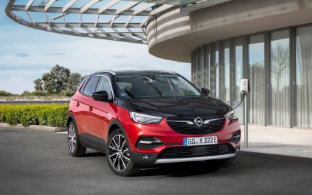 2020-Opel-Grandland-X-Hybrid4- (1)