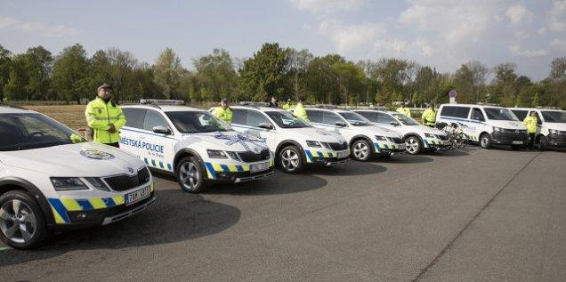 mestska-policie-praha-skoda-octavia-scout-a-volkswagen-transporter- (3)