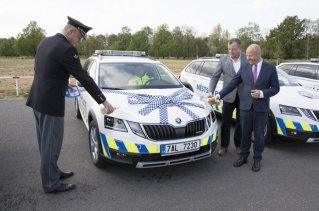 mestska-policie-praha-skoda-octavia-scout-a-volkswagen-transporter- (8)