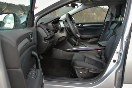 test-renault-megane-grandcoupe-13-tce-140-sedan- (24)