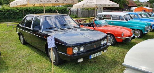 2019-8_cerven-jawa-sraz-ledce-auta- (13)
