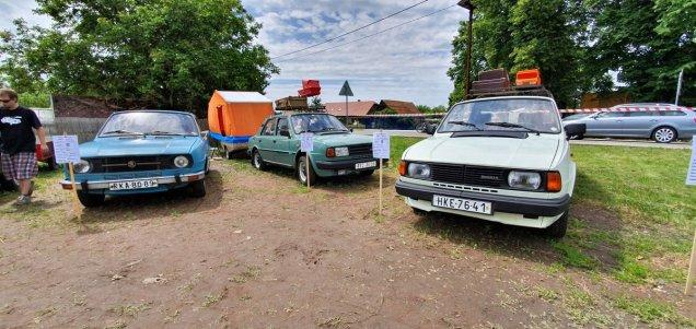 2019-8_cerven-jawa-sraz-ledce-auta- (2)