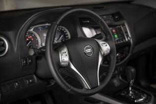 2019-Nissan-Navara-FL- (19)