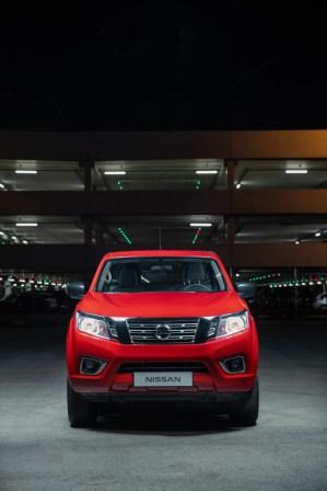 2019-Nissan-Navara-FL- (3)