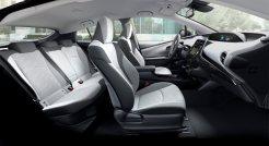 2019-Toyota-Prius-Plug-in- (4)