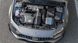 mercedes-amg-a-45-4matic-2019 (5)
